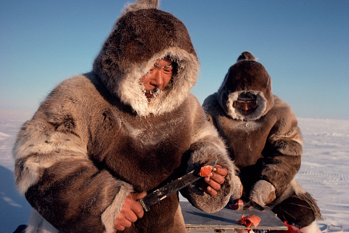 inuit-caribou-skin-1